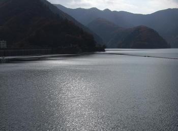 奥多摩湖2.jpg